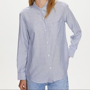 Aritzia Button Up